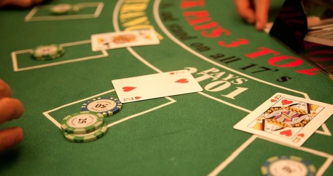 房卡棋牌屡被定性为赌博 这一模式的出路在哪