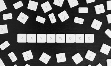 弱密码的锅 20岁学生侵入近千德名人帐户