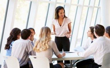 网络安全专业人士最具挑战的因素是什么?
